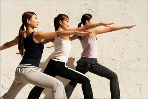 Cần tăng cường vận động, tập thể dục phù hợp để tránh bị béo phì, bệnh tật.