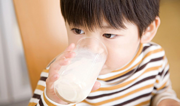 Hormon giới tính trong thịt và sữa
