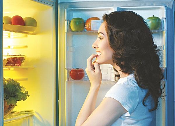 Tủ lạnh nhiều thực phẩm khiến miệng bạn phải hoạt động liên tục